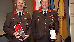 Die Kommandanten der Feuerwehren Neuhaus am Klausenbach (OBI Ewald Storm)  und Jabing HBI Thomas Graf