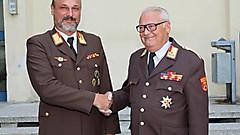 Mit Wirkung vom 1. August 2018 folgt Ing. Franz Kropf (links) dem bisherigen Bezirksfeuerwehrkommandanten OBR Günther Pock nach.